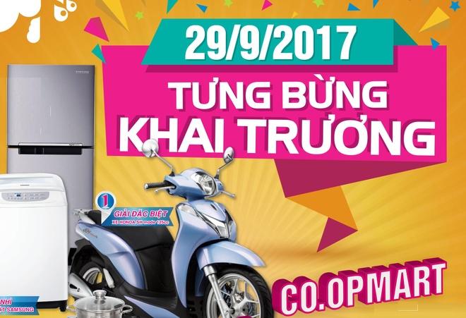 Co.opmart Huynh Tan Phat giam gia, tang Honda SH Mode dip khai truong hinh anh