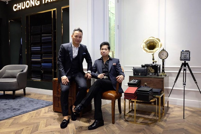 Ngoc Son hat live mung khai truong showroom moi cua Chuong Tailor hinh anh 3