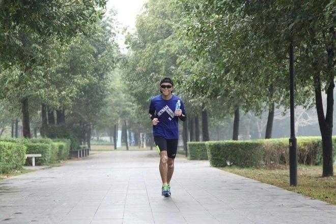 Chay marathon: Van dong de tien ve phia truoc hinh anh 1