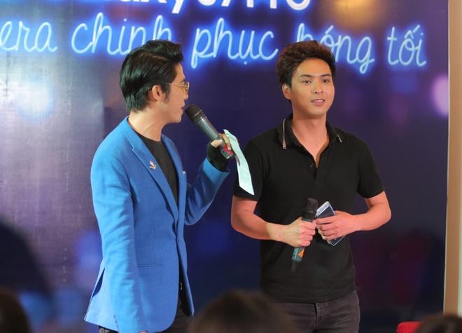 Ho Quang Hieu gian di choi do vui cung fan hinh anh 1