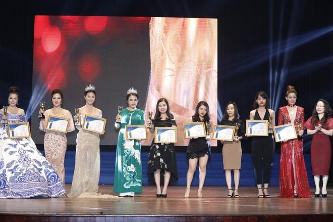 Ton vinh top 10 nu doanh nhan sac - tam - tai 2017 hinh anh 2