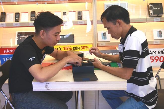 FPT Shop se giao 3.000 may Galaxy Note 8 trong ngay mo ban hinh anh