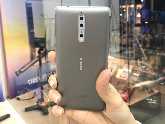 FPT Shop se len ke Nokia 8 voi gia tu 10,99 trieu dong hinh anh 2
