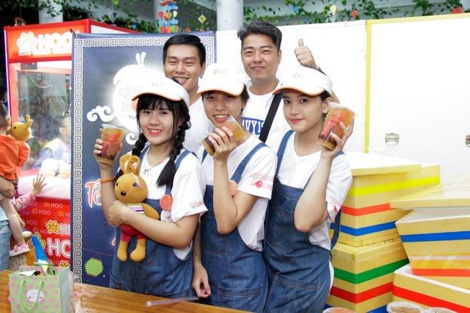 Orange House va Ahoo mang Trung thu am ap cho tre em ngheo quan 1 hinh anh 3