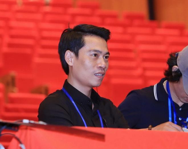 Pham Hoang Giang - dao dien dung sau cac cap tinh nhan tren san khau hinh anh