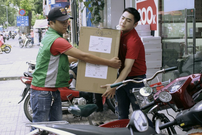 Chu shop online 'gian truan' tim shipper hinh anh