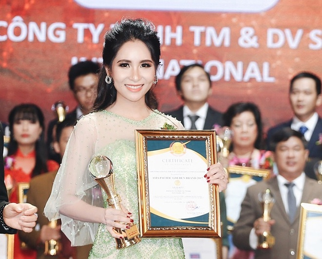 My pham S2B Beauty lot top 10 Thuong hieu vang hoi nhap chau A - TBD hinh anh