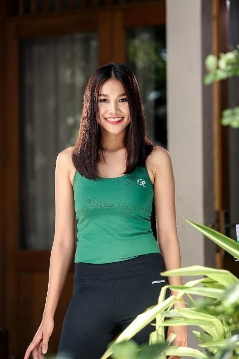 My Linh, Thanh Hang chia se bi quyet tre trung trong clip moi hinh anh 1