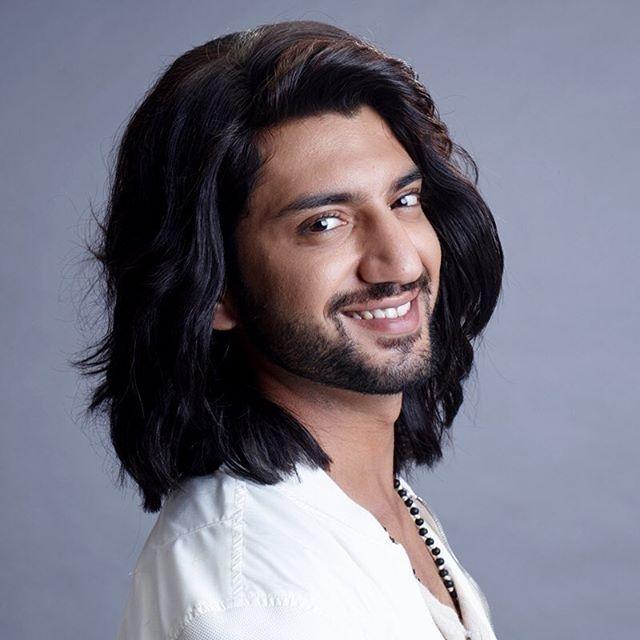 Dan tai tu Bollywood dien trai trong phim 'Cuoc chien gia toc' hinh anh 3