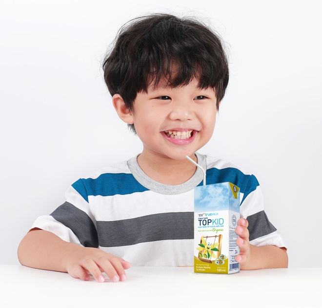 Sua tuoi TH True Milk giu tron duong chat nho cong thuc topkid hinh anh 1