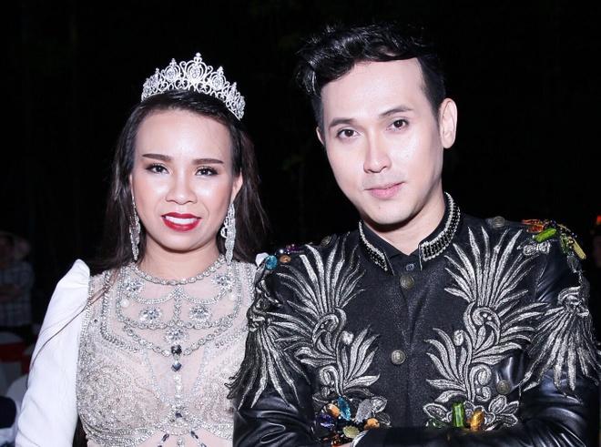 My pham Ngoc Quyen dong hanh cung cac su kien giai tri hinh anh