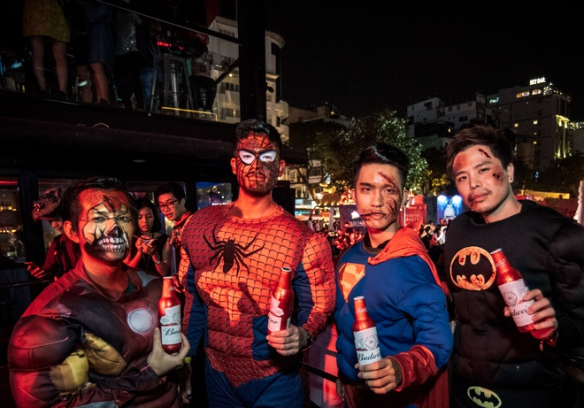 Son Tung M-TP, Toc Tien chay het minh trong dem tiec Halloween hinh anh 10