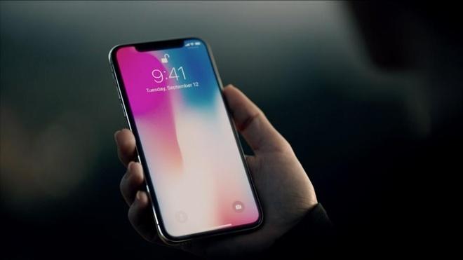 iPhone X tao suc hut lon tai TechOne nho gia dan on dinh hinh anh