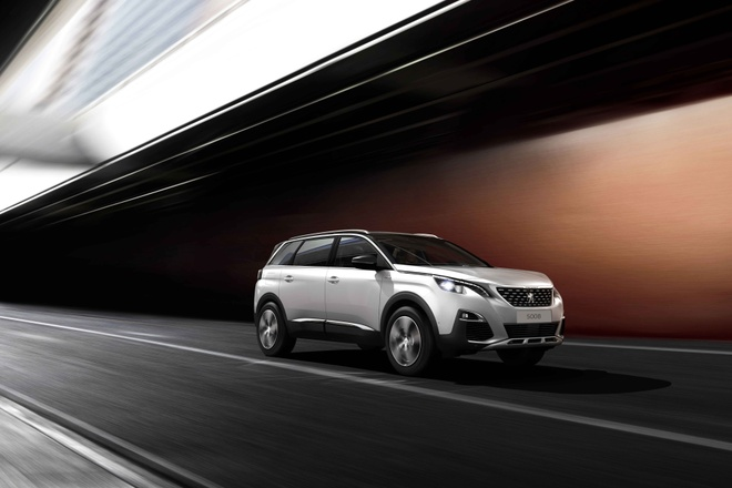 Peugeot 5008 - SUV 7 cho the he moi ve Viet Nam thang 12 hinh anh 1