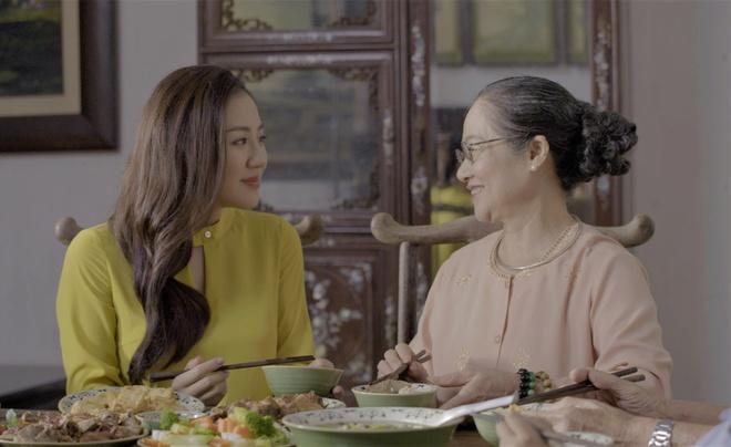 Van Mai Huong, Diep Chi trai long ve ky niem voi bua com nha hinh anh