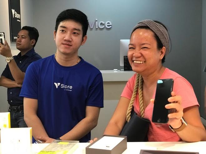iPhone 8, 8 Plus chinh thuc mo ban tai Vstore (Vien Thong A) hinh anh 6