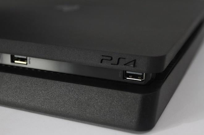 Sony ra mat PS4 va PS4 Pro phien ban FIFA18 Bundle hinh anh