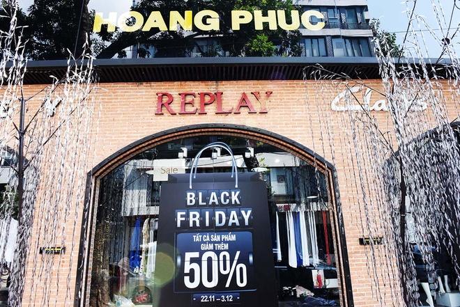 Black Friday ram ro tai Hoang Phuc voi uu dai lon nhat nam hinh anh