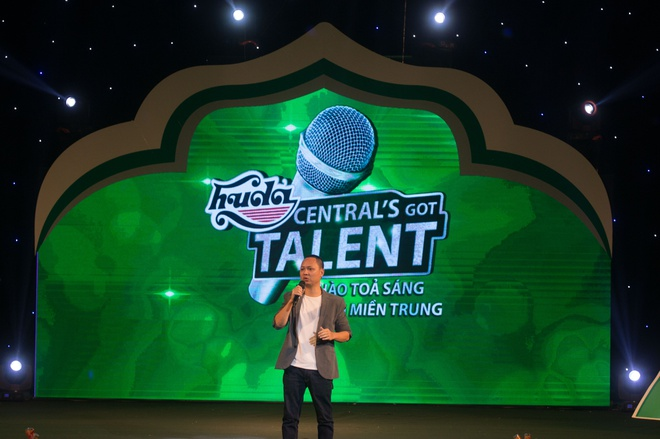 Hot girl doi Truc Nhan gianh quan quan Huda Central's Got Talent 2017 hinh anh 2