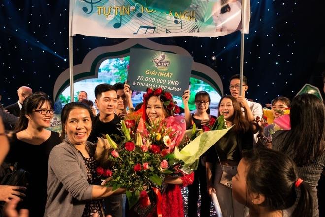 Hot girl doi Truc Nhan gianh quan quan Huda Central's Got Talent 2017 hinh anh 4