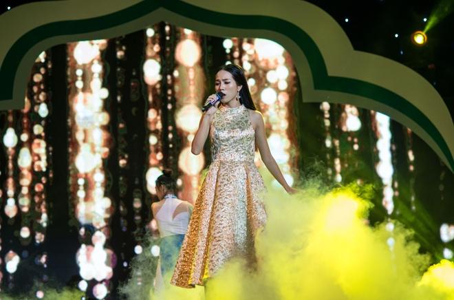 Hot girl doi Truc Nhan gianh quan quan Huda Central's Got Talent 2017 hinh anh 6
