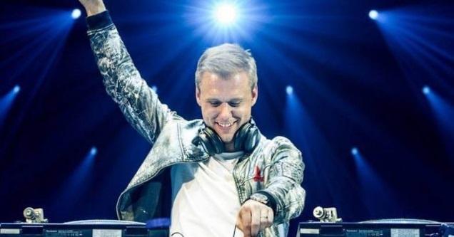 Armin Van Buuren by VinaPhone anh 2
