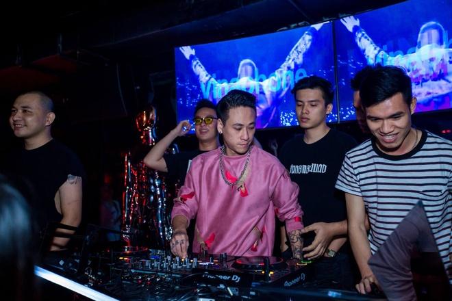 DJ Minh Tri: 'Tham gia show Armin danh dau su truong thanh cua toi' hinh anh 4