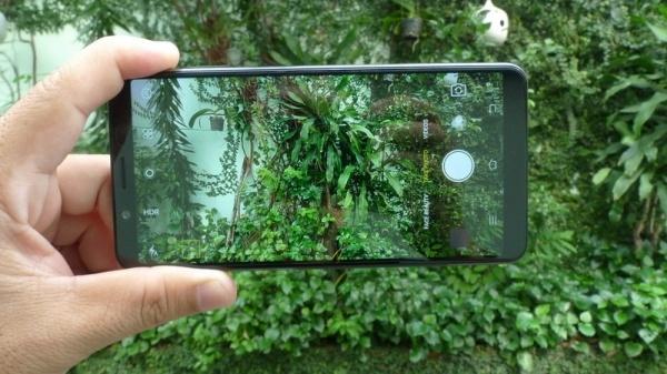 4 diem cong cua smartphone Vivo V7 hinh anh 1
