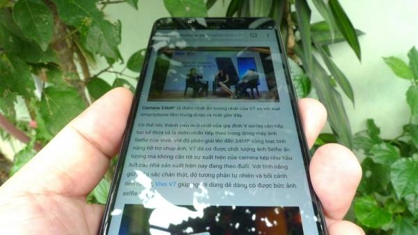 4 diem cong cua smartphone Vivo V7 hinh anh 2