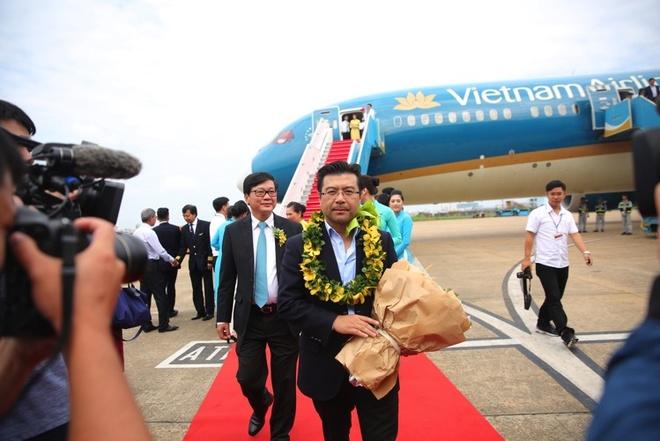 Vietnam Airlines don hanh khach 200 trieu hinh anh