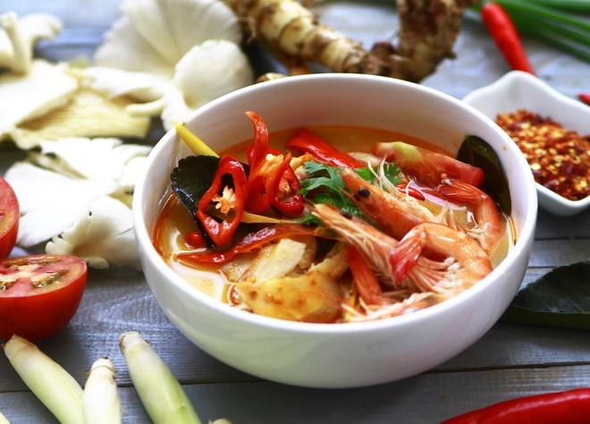 Thuong thuc mon Thai truyen thong voi nguyen lieu nhap tu xu chua vang hinh anh 4