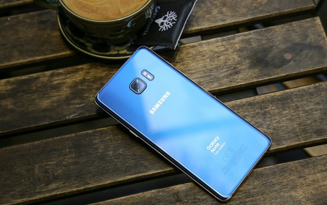 Samsung Galaxy Note FE giam hon 2 trieu dong dip Noel hinh anh 3