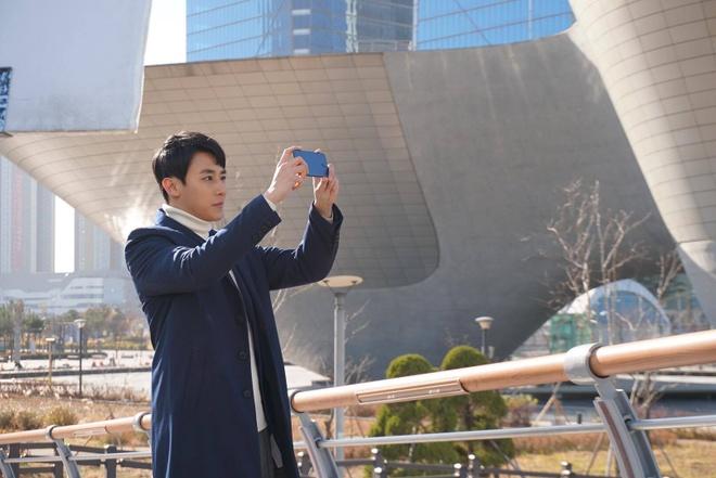 Mo ban Huawei nova 2i mau xanh, gia khong doi hinh anh 2