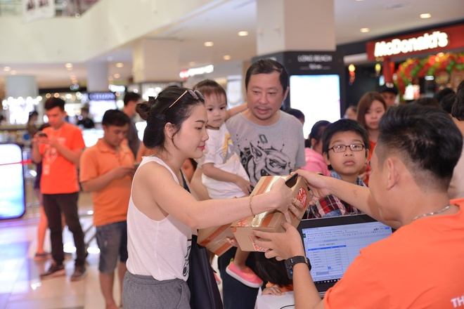 Hang nghin hop qua bi mat tu Shopee dang cho chu nhan tai Vivo City hinh anh 2