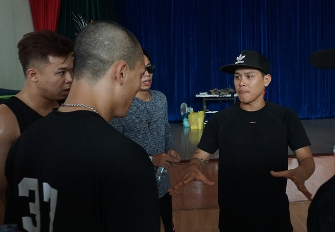 John Huy Tran, Viet Max phan khich tap luyen cung top 6 BeU with Honda hinh anh