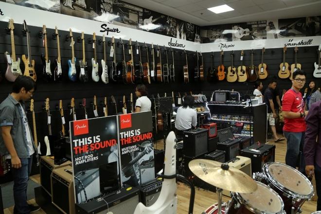 Viet Thuong Music dong loat khai truong 4 showroom moi tai TP.HCM hinh anh 1