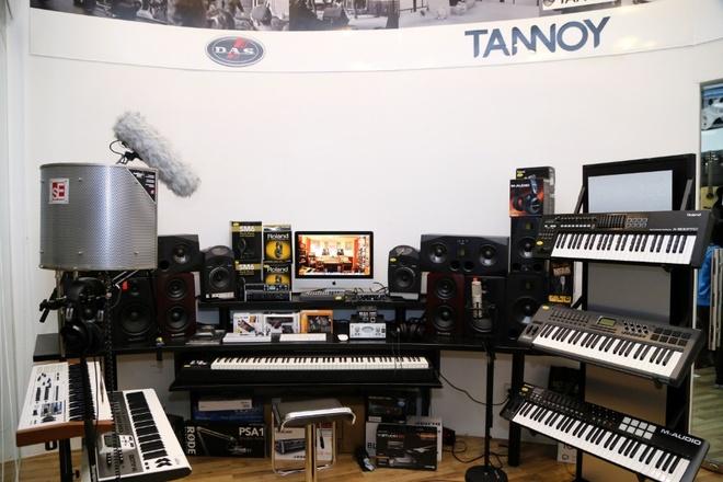 Viet Thuong Music dong loat khai truong 4 showroom moi tai TP.HCM hinh anh 4