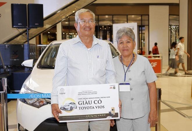 Khach hang cua Trung Nguyen may man trung Toyota Vios 2017 hinh anh