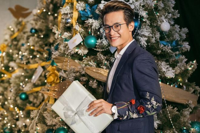 Noel nay, tai Ha Noi co mot 'Thanh pho anh sang' nhu trong La La Land hinh anh 4
