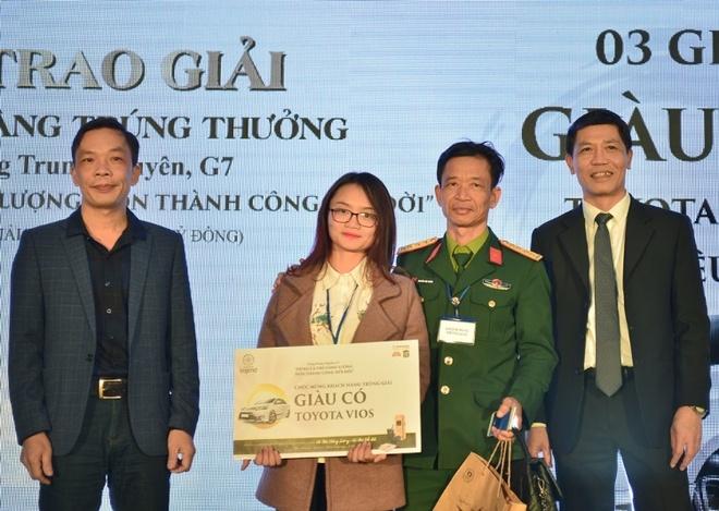 Trung Nguyen tang xe hoi Toyota Vios cho khach hang may man hinh anh