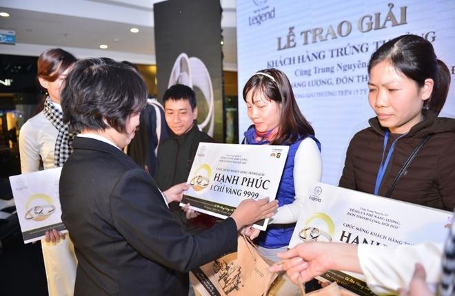 Trung Nguyen tang xe hoi Toyota Vios cho khach hang may man hinh anh 3