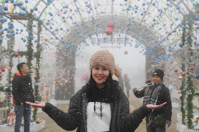 Ngam cay thong Noel tu nong san Sa Pa tai Sun World Fansipan Legend hinh anh 8