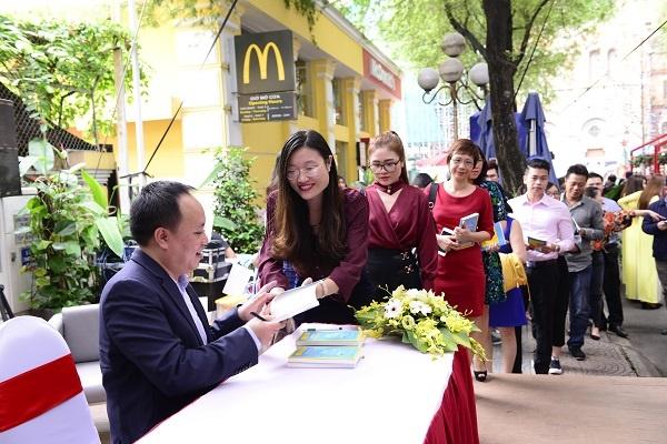 'Vua ho tieu' Phan Minh Thong ra sach ve sang tao trong kinh doanh hinh anh 2
