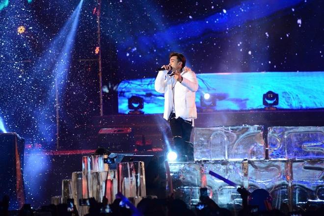 Son Tung M-TP xuat hien tren bang dang, gap fan trong mua tuyet hinh anh 5