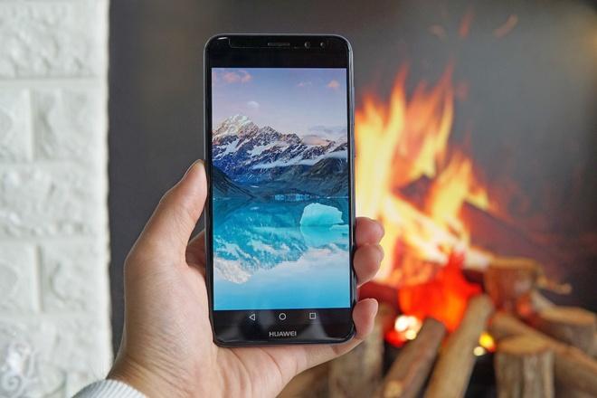 So sanh Huawei nova 2i va Vivo V7 hinh anh