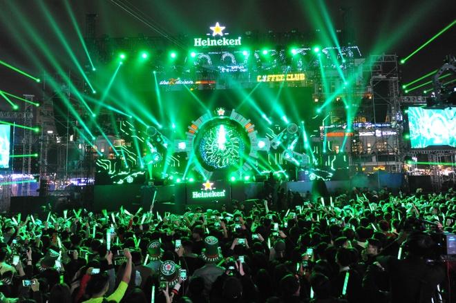 Nhin lai khoanh khac giao thua an tuong tai 'Heineken Countdown Party' hinh anh 4