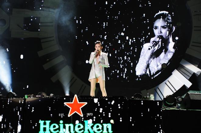 Nhin lai khoanh khac giao thua an tuong tai 'Heineken Countdown Party' hinh anh 8