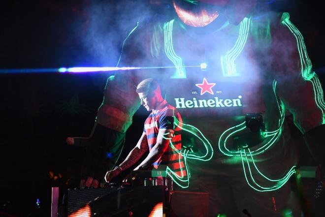 Nhin lai khoanh khac giao thua an tuong tai 'Heineken Countdown Party' hinh anh 11