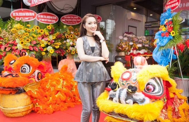 Cao My Kim bat tay doanh nghiep Han ra mat thuong hieu Total Chicken hinh anh 2