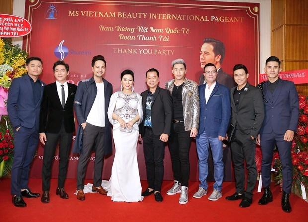 Dan sao Viet chuc mung Doan Thanh Tai len ngoi Nam vuong hinh anh 2